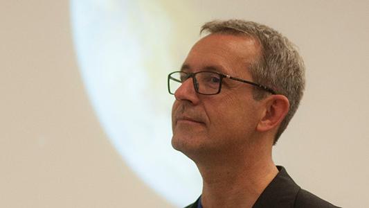 Le professeur René Doyon reçoit le Prix Dunlap 2020 de la Société canadienne d'astronomie (CASCA)